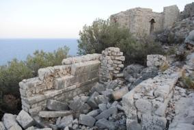 Vaulted tomb on Boğsak Island