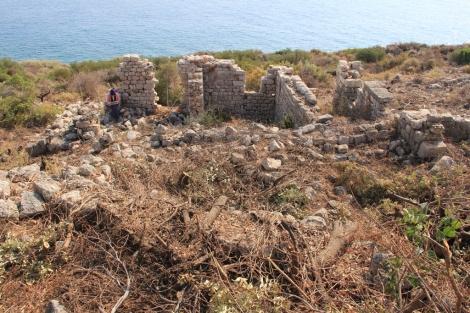 House in the eastern neighborhood of Boğsak Island